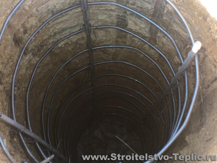 Армированный каркас под установку фундаментных столбиков