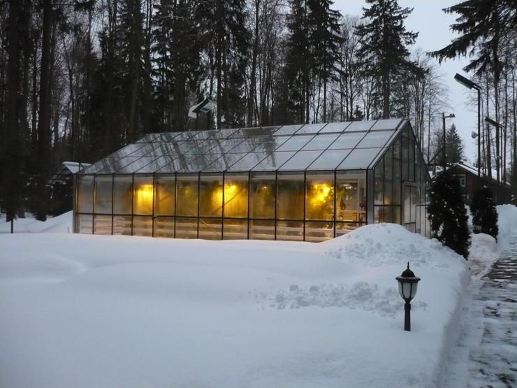 Круглогодичная теплица - это украшение любого участка зимой и летом
